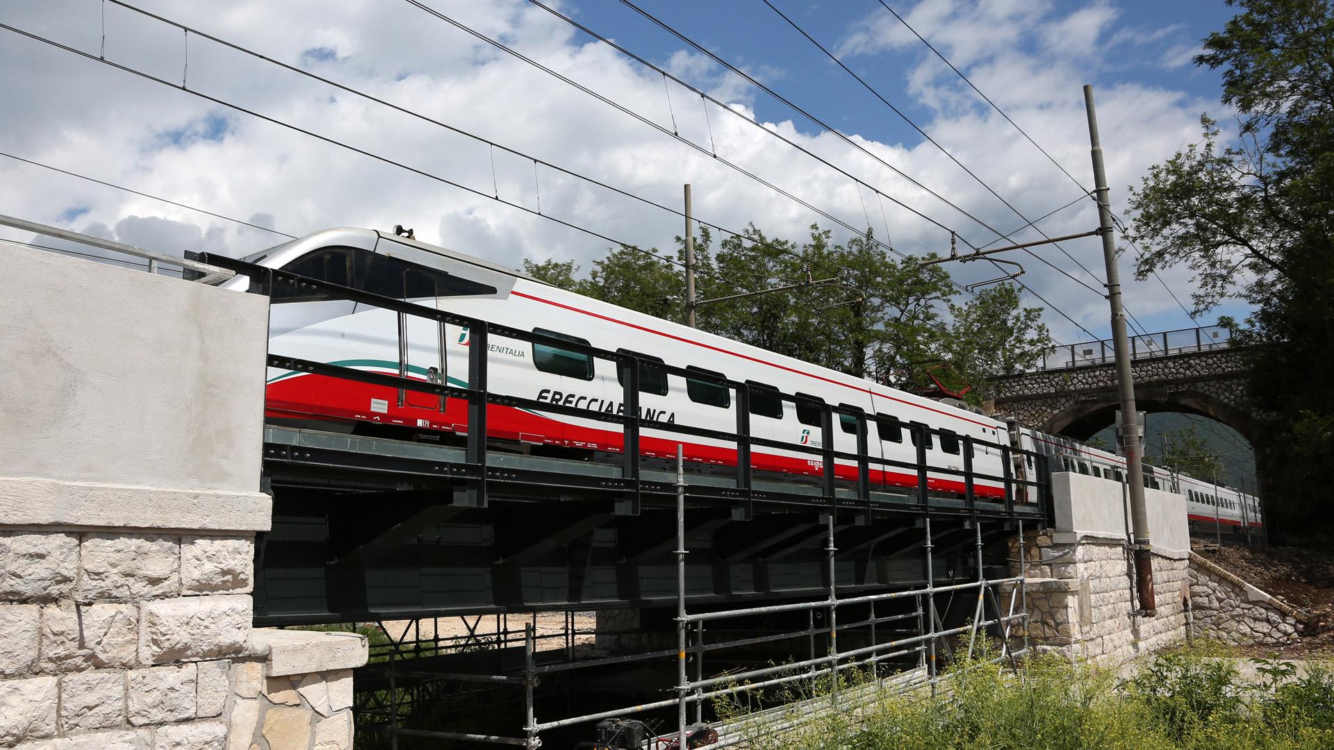 ponte-ferroviario-ninfa-montato-metal-engineering-carpenteria-metallica-civile