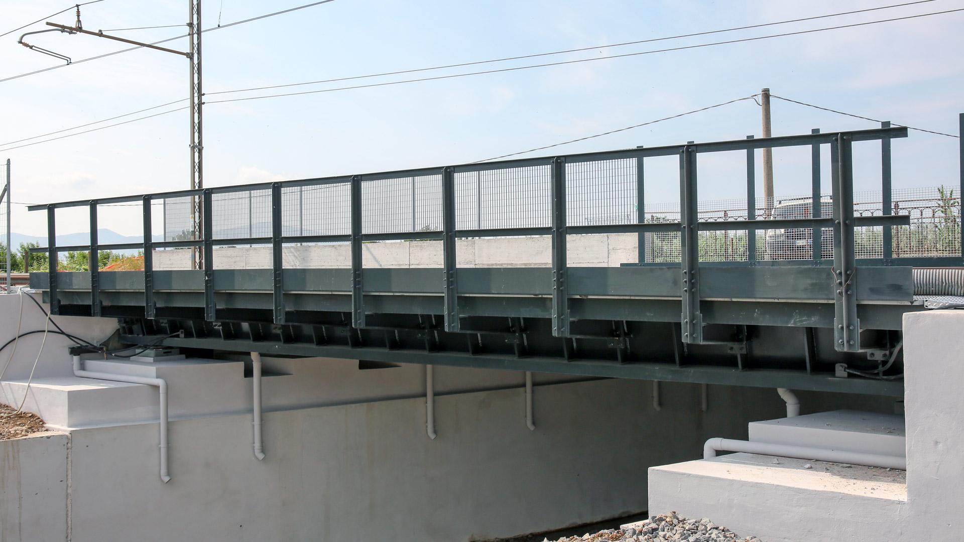 ponte-ferroviario-san-bonifacio-montato-metal-engineering-carpenteria-metallica-civile
