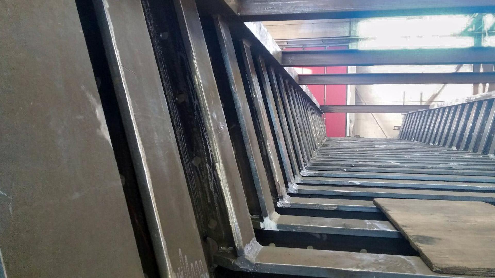 rio-borghetto-ponte-vista-frontale-particolare-carpenteria-civile-metal-engineering